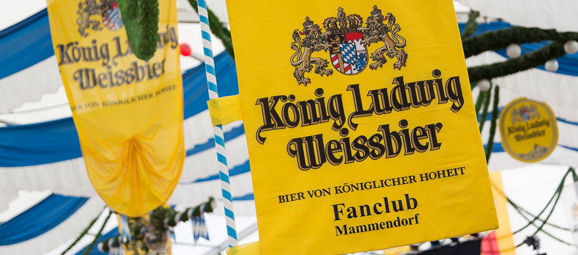 Die Fahne des König Ludwig Weissbier Fanclubs Mammendorf